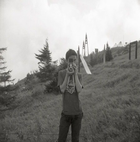 モノクロ普及委員会 人物写真展「パピプペポートレート」