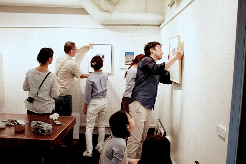 モノクロ普及委員会 カラー部 展『10年目の浮気』